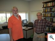 K. Kupka a John H. Schwarz (nejvýznamnější strunový fyzik, Caltech) v bývalé pracovně R. Feynmana